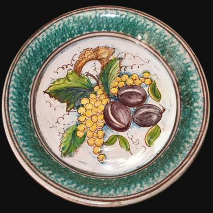 Fangotto da parete con uva gialla e prugne