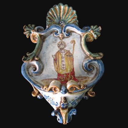 San Nicola di Bari - Acquasantiera (decoro plastico sofia tricolore)