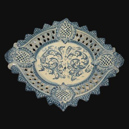 Centrotavola traforato 2° M 42x30 s. d'arte mono blu
