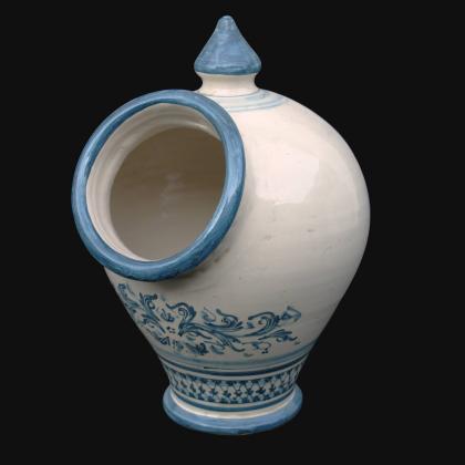 Saliera con buco cm 18x26 s. d'arte mono blu in Ceramica Artistica di Caltagirone